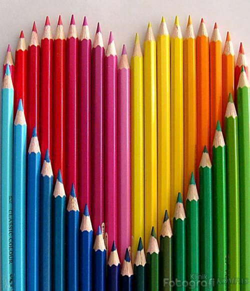 COLORED PENCILS FORM A HEART